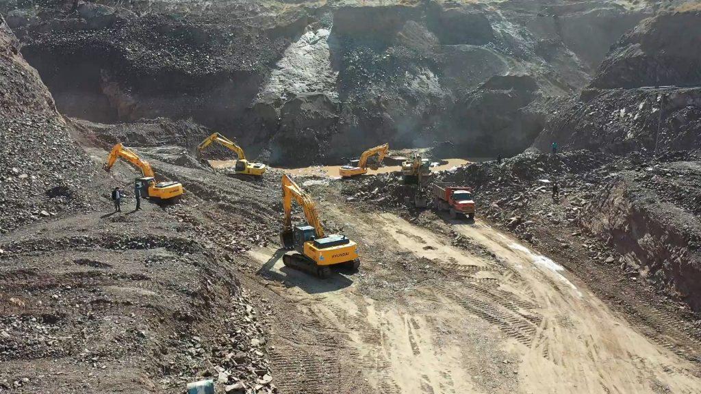 استخراج منگنز در معدن سردار با پیکور